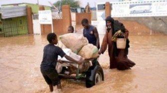 Les inondations au Niger causent une friction entre autorités et populations