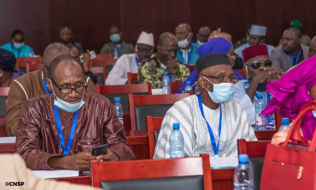 M5 RFP Mali : dénonce les rajouts à la Charte