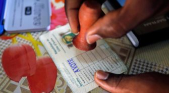 Côte d'Ivoire : un relâchement dans le retrait des cartes d'électeurs, la CEI rassure