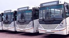 Paralysie du transport à Kinshasa , une mesure anti-covid qui met tout le monde a pied
