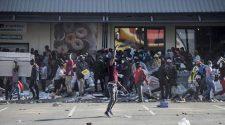 Pillages en Afrique du Sud: plusieurs enseignent fermer temporairement leurs portes
