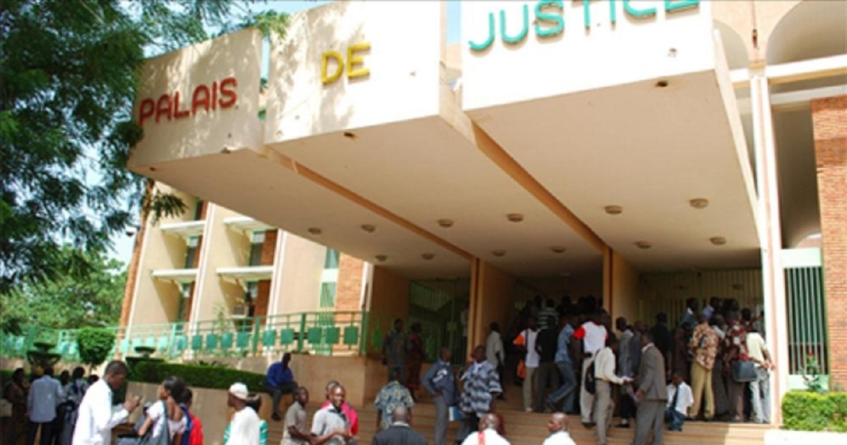 Extradition de François Compaoré: le ministère de la Justice burkinabè se défend