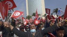 Crise politique en Tunisie: l'attente d'une évolution heureuse se fait pressante