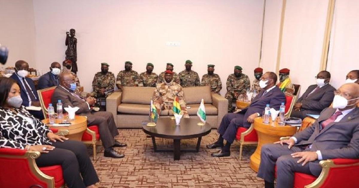 Transition en Guinee: la Cédéao prend-elle le contrepied de l'OIF ?